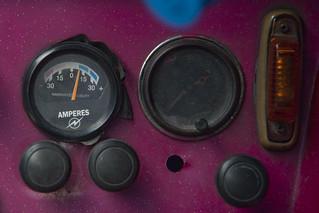 Fluo pink dashboard
