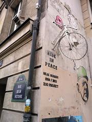 Paris 2014 (Hanoi1933) Tags: france bicycle rue parigi 2014 巴黎 parisstreetart باريس париж zooproject pariswallart rideinpeace bilalberreni