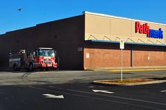 Jersey City Fire Department Engine 8 (Triborough) Tags: crimson newjersey jerseycity nj engine firetruck jc fireengine spartan hudsoncounty engine8 jcfd jerseycityfiredepartment