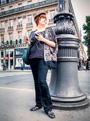 Parisienne (mouzhik) Tags: paris canon streetphotography youngwoman parijs parisian rousse pars zemzem parisienne  photoderue muzhik pary mujik parys  jeunefemme parisina   pariisi parisiense   photographiederue  parizo moujik fotografiadistrada fotoderua parigina pariserin strasenfotografie  mouzhik       pars y  prizs