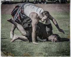 Paul Craig grounds Max Freyne (FotoFling Scotland) Tags: scotland kilt unitedkingdom argyll scottish wrestler highlandgames kilted dunoon meninkilts cowalgathering paulcraig scottishwrestlingbond wrestlingbond maxfreyne