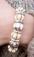 5th Avenue White Bracelet K2 P9410A-1