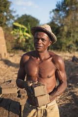 Rokoto, brick maker