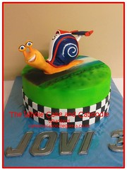 look at es car go (The Whole Cake and Caboodle ( lisa )) Tags: cakes cake snail turbo birthdaycakes caboodle thewholecakeandcaboodle kidscakeswhangarei birthdaycakeswhangarei kidsbirthdaycakeswhangarei