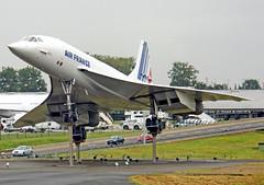 France-003403B - Concorde (archer10 (Dennis) REPOSTING) Tags: paris france art church museum plane square louvre sony free palace concorde dennis jarvis supersonic iamcanadian freepicture dennisjarvis archer10 dennisgjarvis nex7 18200diiiivc