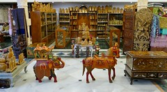 Kandariya Art and Culture Centre (chdphd) Tags: art shop handicraft woodwork craft khajuraho kandariya kandariyaartandculturecenter kandariyaartandculturecentre kandariyaart