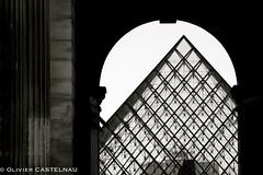 Louvre (Oliflyer) Tags: bw paris france monochrome louvre nb pyramide