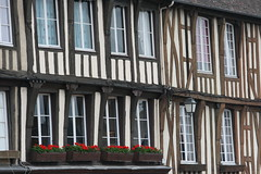 Verneuil-sur-Avre (Eure, Haute-Normandie, France) (bobroy20) Tags: architecture normandie maison tourisme eure colombages granium hautenormandie verneuilsuravre