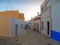 Ayamonte - Huelva (Luis M) Tags: calle arquitectura huelva casas ayamonte paisajeurbano