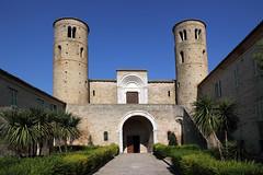 San Claudio al Chienti (Bluesky71) Tags: church towers chiesa romanesque marche torri romanico corridonia chienti bellitalia sanclaudioalchienti