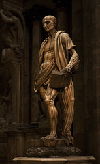 Saint Barthlemy corch. Marco d'Agrate, 1560. Duomo, Milano. (Clement Guillaume) Tags: italy sculpture milan statue stone italia cathedral skin pierre basilica milano cathdrale dome marco sanlorenzo duomo renaissance gothique italie sculptor peau marbre bartolomeo flayed personnage bartholomew piel stbartholomew sanbartolomeo basilicadisanlorenzo scultori ecorch artgothique leoneleoni cathedralofmilan marcodagrate dmedemilan stbartholomewflayed dagrate giangiacomomedici saintbarthlemycorch lemedeghino