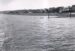 Vlieland - omringdijk - 1957 (Dirk Bruin) Tags: vlieland dijk waddendijk omringdijk dijkverhoging deltaplan deltahoogte veerdam steiger rijkswaterstaat dorp oostvlieland