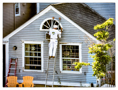 The Painter (Timothy Valentine) Tags: vacation people window fence buildings wednesday us chair unitedstates maine kennebunkport painter 2016 0716 shotthroughascreen