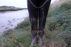 Results of entering a muddy creek. (essex_mud_explorer) Tags: mud muddy mudflats creek estuary tidalmud tidal saltmarsh marshes waterproof waders gummistiefel rubber boots thighboots thigh watstiefel bullseyehood