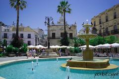 Fuente (pabloppl) Tags: agua almuerzo fuentes palomas playa restaurante sanlucardebarrameda tenderetes vacaciones verano