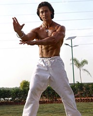 Training to take on the indestructible super villain...#letshopethisjattkicksbutt #aflyingjatt #25thaug (contfeed) Tags: training take indestructible super villain letshopethisjattkicksbutt aflyingjatt 25thaug