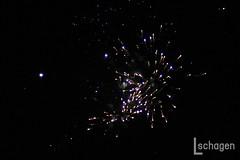 Firework show @ fun fair the Hague / Vuurwerkshow @ Kermis Den Haag (Lucy Schagen) Tags: firework fireworks fireworkshow vuurwerk vuurwerkshow kermis malieveld denhaag thehague funfair fair fairground netherlands