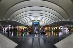one more time....Liège-Guillemins (leuntje) Tags: liège luik belgium belgië belgique liègeguillemins centralstation railwaystation hall architecture calatrava santiagocalatrava trainstation