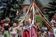 3e-177 (ndpa / s. lundeen, archivist) Tags: street costumes girls summer people woman color building film kids 35mm children centennial costume mainstreet ribbons colorado nick crowd july parade intersection aspen spectators july4th 4thofjuly 1980 1980s festivities 100thbirthday onlookers maypole dewolf 3e historicbuilding 4thofjulyparade aspenstreet nickdewolf sardyhouse photographbynickdewolf 18801980 reel3e aspencentennial