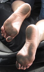 IMG_0948 (Donna Queen pa1971) Tags: feet fetish foot donna toes dirty queen barefoot barefeet filthy soles barefootin