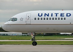N12116 (AnDrEwMHoLdEn) Tags: manchester airport 757 unitedairlines manchesterairport egcc 23l