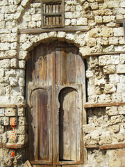 Forgotten Heritage (haidarism (Ahmed Alhaidari)) Tags: door old heritage beautiful buildings wooden forgotten past yanbu