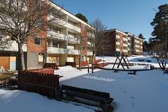 Apartments 1 (hoekmannen) Tags: snow abandoned playground apartments apartment sweden sn lgenhet lekplats lgenheter vergiven vergivna hoekmannen