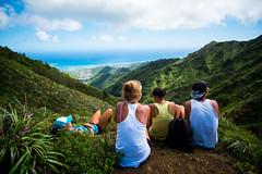 Taking A Break. (PeeterTomson) Tags: life bear friends summer mountain hawaii break oahu good ridge explore claw enjoy fujifilm rest 12mm aloha xa1 rokinon