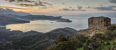 Golfo di Portoferraio (Amberfish75) Tags: elba mare nave porto toscana isola rudere portoferraio volterraio