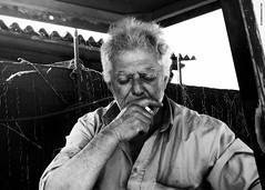(Luca Franchina) Tags: portrait oldman silence ritratto sigaretta contadino