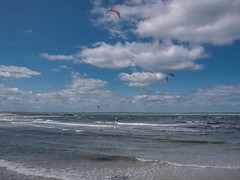 Heidkate (MarcoKiel) Tags: kite surfer balticsea ostsee heidkate