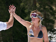 End of the Season - High Five (Colorado Sands) Tags: people woman june tattoo lady female happy us spring hands women goggles babe corona babes rockymountains highfive tat skier celebrating summitcounty springtime tats skiers arapahoebasin tatouage abasin springskiing bodyink sandraleidholdt