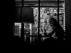 (omargodinezfotografia) Tags: light blackandwhite beautiful mi contraluz mexico fuji 28mm x starbucks lumiere belle fujifilm jolie x20 reflejos coofee beautifulday pasin fotodeldia seriex mipasion omargodinez fujix20 fujifilmx20 charrofotografo