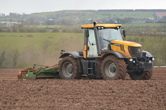 JCB Fastrac 3230 Fastrac Tractor with an Amazone 5001-2 Power Harrow (Shane Casey CK25) Tags: county ireland horse irish plant tractor field set work pull hp nikon traktor power jcb earth farm cork farming working cereal grow machine ground machinery soil dirt till crop crops growing farmer agriculture dust setting cereals eci pulling contractor planting sow drill tracteur trator horsepower harrow tilling drilling trekker 3230 amazone sowing agri conna tillage cignik fastrac traktori 50012 d7100 aghern