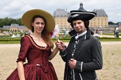 Vaux-le-Vicomte, Journe Grand-Sicle 2016 (Micleg44) Tags: portrait france costume chateau iledefrance djeuner seineetmarne 2016 vauxlevicomte piquenique maincy grandsiecle