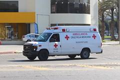 Cruz Roja (So Cal Metro) Tags: rescue ford bcn ambulance bajacalifornia baja tijuana paramedic ems emt tj redcross econoline cruzroja zonario eseries cruzrojamexicana