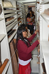 Ceramistas conhecendo a Reserva Técnica Berta Ribeiro (MUSEU DO ÍNDIO / página oficial) Tags: do museu rj arte cerâmica da botafogo terra suruí indígena índio asurini seminário terena karajá ceramistas etnias
