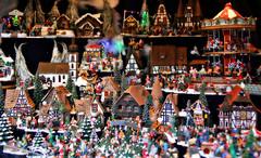 Alle Jahre wieder: Die Weihnachtsmärkte sind eröffnet  .... :-) (Andy von der Wurm) Tags: christmas xmas germany deutschland colorful europa europe decoration weihnachtsmarkt aachen alemania nrw colourful deco figures allemagne farbig nordrheinwestfalen bunt figuren deko dekoration northrhinewestfalia weihnachtskugeln weihnachtsmärkte hobbyphotograph andreasfucke andyvonderwurm weihnachtsmaerkte