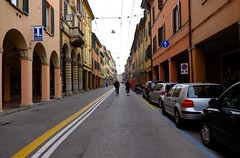 Prospettiva Blognese (Giulio Buonomini) Tags: street strada prospettiva perspectiv bicclette