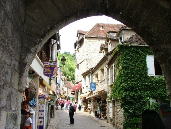 6. Góc phố nhộn nhịp Rocamadour