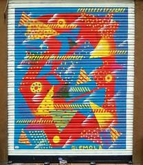 El n9u tr3s (Aviones Plateados) Tags: barcelona mobile graffiti phone cell movil lg phonecamera android poblenou pujades lamanoamiga lgd505 eln9utr3s glemola