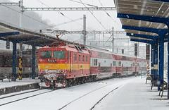 Retro snowstorm   263.005   Os 3018   BA hl. stanica (lofofor) Tags: electric retro zima bratislava pushpull sneh hlavnástanica princezná poschoďák