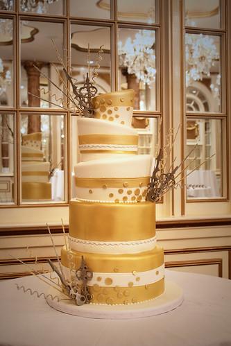 New Years Eve Gold Clock Hands Wedding Cake