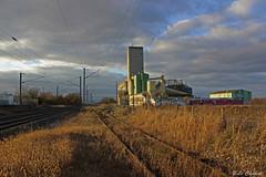 (Le Chakal) Tags: sunset cloud france nature train alpes graffiti lyon rails graff nuages campagne vf champ voie ferre soli rhone ambiance isre