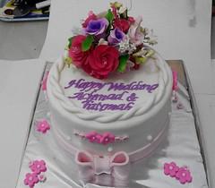 Wedding Cake Seserahan - Jakarta (cupcakesjakarta) Tags: wedding cake jakarta delivery hantaran kue cantik pernikahan seserahan pejaten mewah pejatenvillage