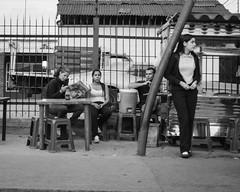 Las Miradas (Lex Arias / LeoAr Photography) Tags: street people urban blackandwhite bw streetart blancoynegro monochrome monocromo calle nikon gente venezuela streetphotography monochromatic bn urbana barquisimeto artecallejero 2016 callejera nikond3100 everybodystreet streetphotovenezuela leoarphotography lexarias streetphotographyvzla iglexariasphotos