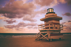 Lighthouse (fgazioli) Tags: sunset sky sun lighthouse praia beach sunrise dawn florida miami miamibeach southbeach