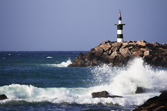 faro con ola (fedelea1962) Tags: seascape water faro mar lighthouses waves ola