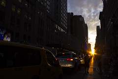Manhattanhenge 2016 (AlysonCoutts) Tags: manhattanhenge newyork nyc empirestatebuilding 34th 5thavenue gothamist sunset