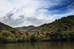 Douro 6 (gsamie) Tags: guillaumesamie gsamie canon 600d t3i portugal douro porto landscape river mountain wideangle sky clouds wine portwine grapes grapevine bridge
